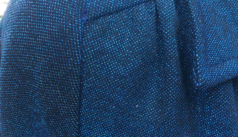 世界に一つだけのフルオーダーメイドコート 深く青い色のラメのような魚のうろこのような美しさ
